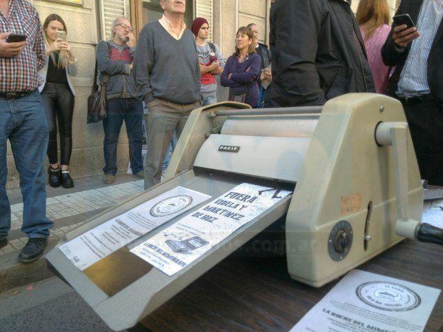 Militantes y familiares de víctimas de la dictadura Cívico Militar aguardan la sentencia a Mazzaferri