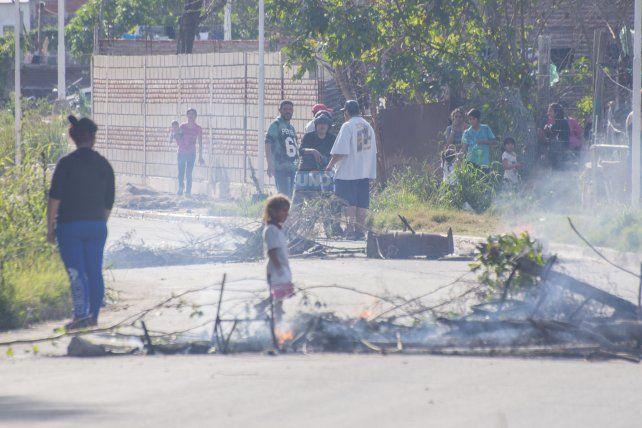 Quemaron la casa donde estuvieron las niñas extraviadas en barrio Belgrano