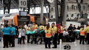 Al menos 54 heridos, uno de gravedad, en un accidente ferroviario en Barcelona