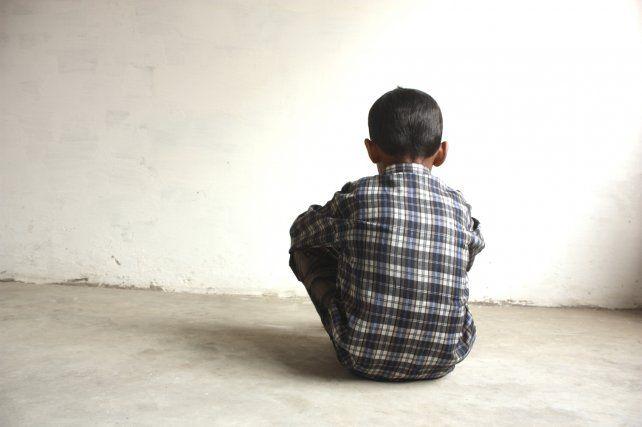 Fue descubierto abusando de su sobrina: asesinó a su madre y hermano