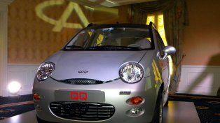 El pequeño auto urbano QQ se presentó en Argentina y gana mercados.