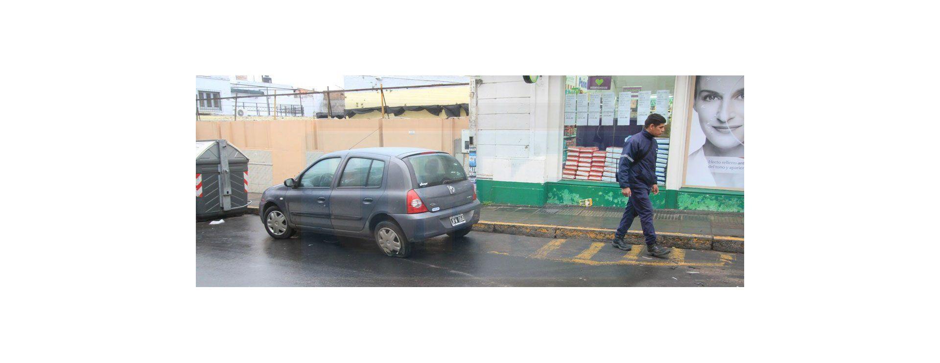 Accidente de tránsito en calle España y Pellegrini