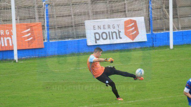 El juvenil arquero gozó de buenas actuaciones en la Liga Paranaense de Fútbol.