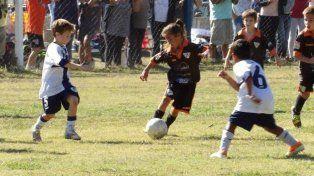 Un sueño roto: juega al fútbol con varones, pero no la dejan competir en los torneos