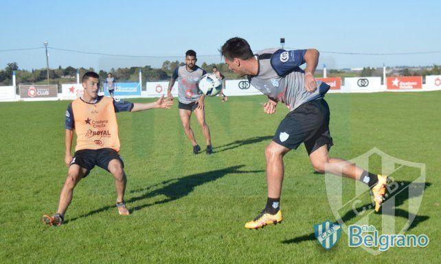 La V Azulada se recuperó con una goleada y manda en la élite de la Liga Paranaense