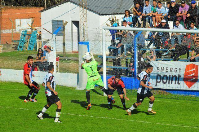 El Mondonguero empató sin goles ante Villa Elisa