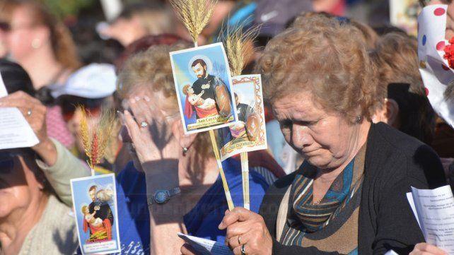 Comienza la novena por San Cayetano y esperan una misa multitudinaria