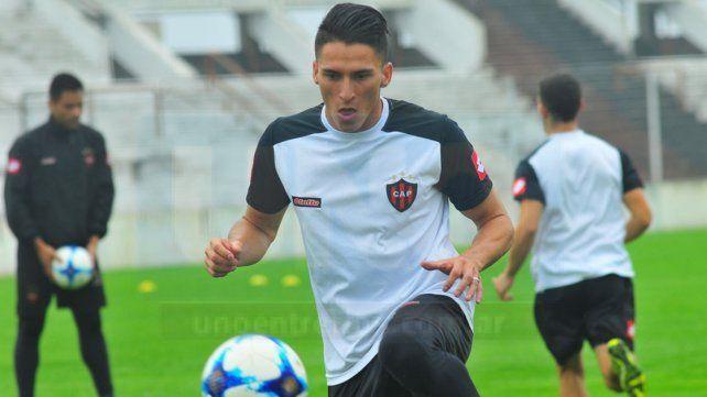 Las siguientes son horas decisivas para el futuro del marcador lateral Rojinegro.
