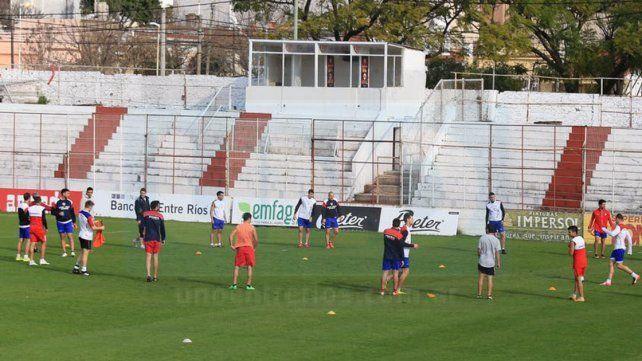 Atlético Paraná comenzó con la pretemporada pensando en el Federal A