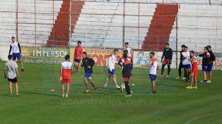 La pelota fue protagonista en el primer día de entrenamiento de Atlético Paraná.