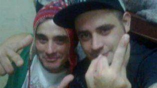 Dos violadores. Wagner y Gómez estaban muy sonrientes en la selfie. Ahora están sancionados.