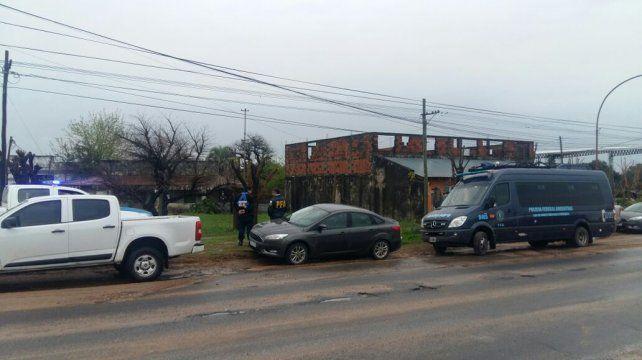 Laboratorio Móvil. La Policía Federal de Buenos Aires envió un grupo de elite a San José.
