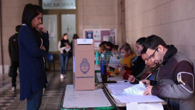 Al mediodía del domingo ya había votado el 32,4% del electorado entrerriano