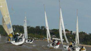 El Río Paraná al ritmo de los veleros cabinados
