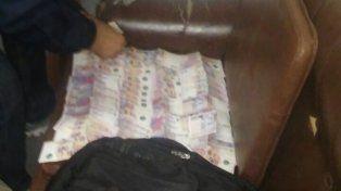 100 mil pesos. En los procedimientos se incautó droga y una importante suma de dinero.