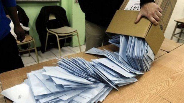 PASO: Arrancó el escrutinio definitivo y en diez días se sabrán los resultados