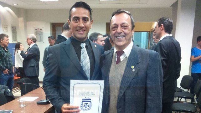 El colegiado de la LPF seguirá jugando en el fútbol profesional. Contrato por un año en la Asociación del Fútbol Argentino.