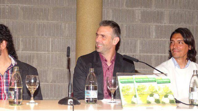 CON AMIGOS. Presentó su libro en ATE Casa España con la presencia de periodistas y excompañeros como Marcelo Goux.