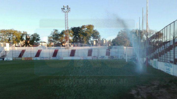 El campo de juego de Atlético Paraná es uno de los mejores de la región