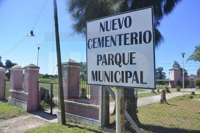 Firman convenio para poner en funcionamiento el nuevo Cementerio Municipal