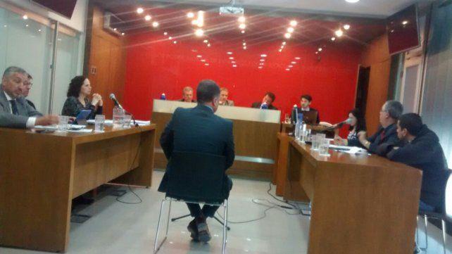 Información oficial. Mondragón informó que todo lo que sabía fue lo que le dijeron desde la UP1. Foto: Javier Aragón.