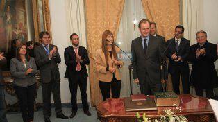 Aplausos a ministra Sonia Velázquez y al gobernador Gustavo Bordet. Foto UNO Juan Ignacio Pereira.