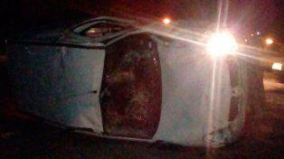 Vuelco Acceso Norte a Paraná: el conductor resultó ileso