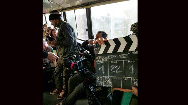 La filmación de la escena de Urbanos causó confusión en una esquina de Paraná
