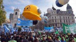 Tras la marcha de la CGT, Macri echó a dos funcionarios vinculados al sindicalismo