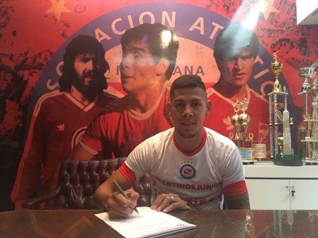 El entrerriano Mauro Quiroga firmó con Argentinos y jugará la Superliga