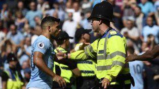 El Kun se peleó con la policía en el partido del Manchester City y podría ser sancionado