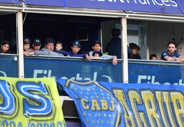 Carlos Tevez estuvo en La Bombonera viendo a Boca Juniors ante Olimpo