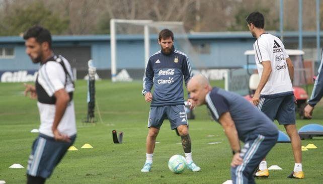La Selección Argentina entrenó en Ezeiza y se viene el debut oficial de Sampaoli como entrenador