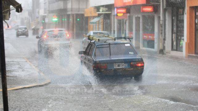 Paraná: Cayeron 30 milímetros en la madrugada y continúa el mal tiempo