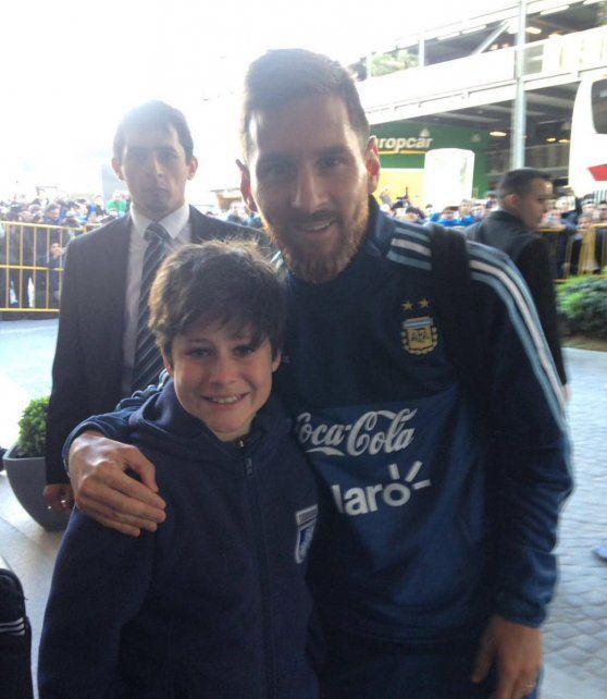 El sueño del pibe: Messi tuvo un gran gesto con un niño uruguayo