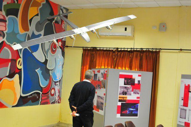 Iniciativa. En el aula Magna de la UTN se pueden observar proyectos desarrollados en Suiza.