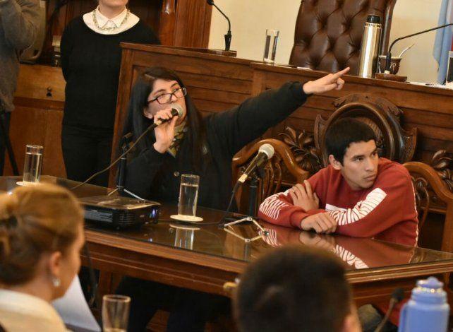 La rectora. Leones expuso sobre la necesidad de la institución.