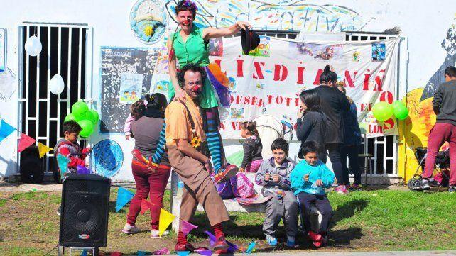 Los niños de vecinal Güiraldes festejaron con Manso y Patota