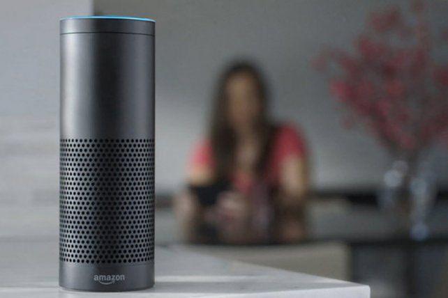 Alexa es el robot de Amazon que puede poner música y hacer las compras