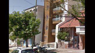 Uno de los allanamientos se realizó, esta mañana, en un edificio céntrico de calle Perón.