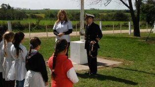 La escuela N° 83 Armada Argentina recibió una visita muy especial