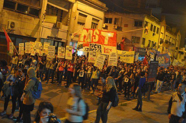 ¿Dónde está Santiago? fue la pregunta que atravesó la marcha. Foto UNO Juan Manuel Hernández.