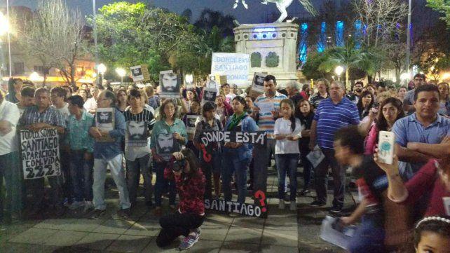 Tras un mes sin Santiago, Paraná reclamó su aparición con vida