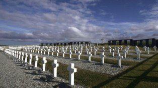 Cruz Roja informó que exhumó 121 tumbas en Malvinas