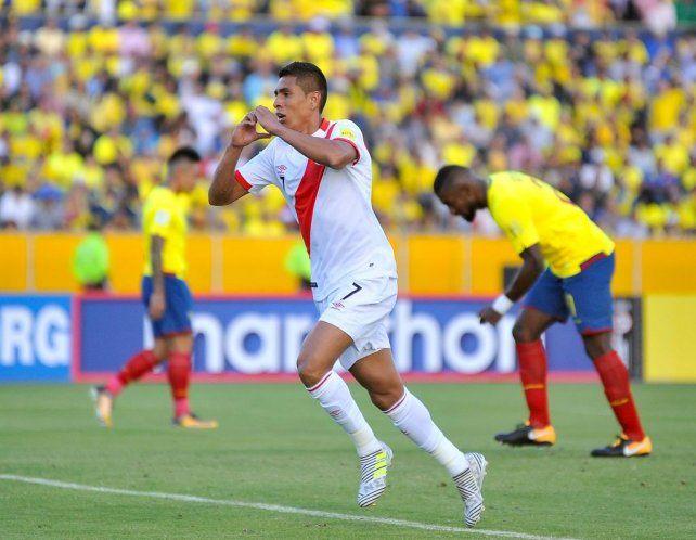 Perú venció a Ecuador y Argentina está obligada a ganar