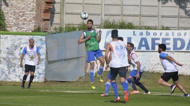 A prueba: El delantero Javier Gómez Varas jugó para el primer equipo de Atllético Paraná. El ex Defensores de Belgrano será evaluado por el cuerpo técnico. Foto UNO Mateo Oviedo