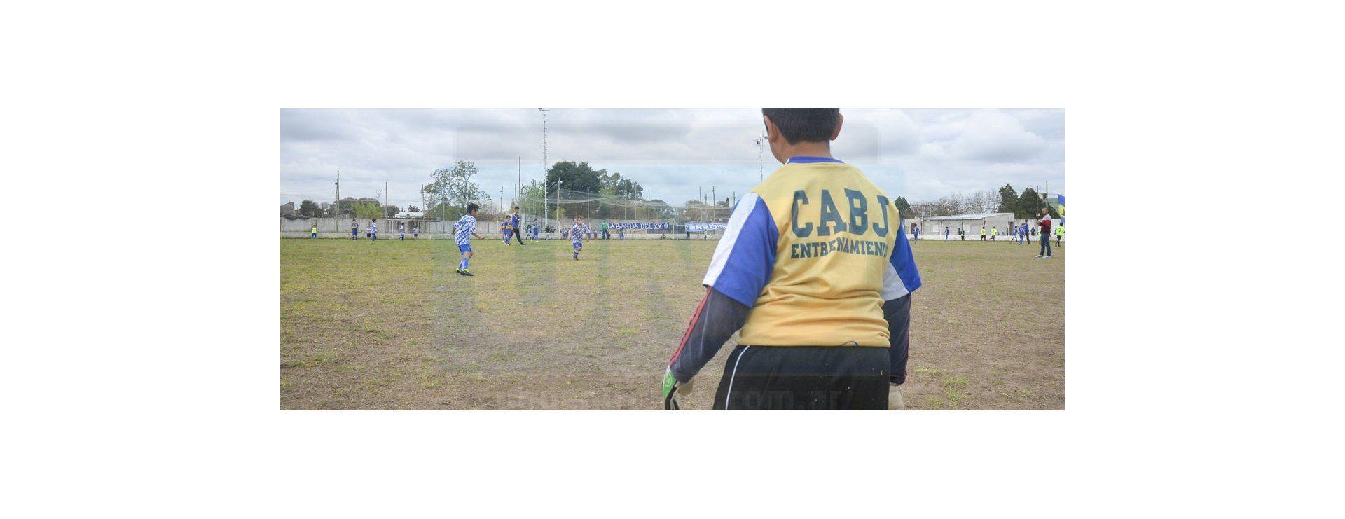 El club Instituto se vistió de azul y oro con la presencia de Chicho Serna