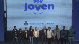 Macri con los jóvenes emprendedores. Foto Télam.
