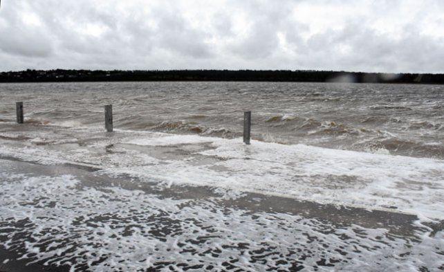 El agua avanzó sobre ruta 35, en La Pampa