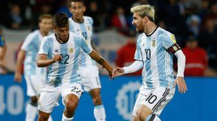 Es difícil jugar con Messi en la Selección Argentina